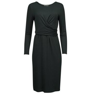 Czarna sukienka z miękkiej...