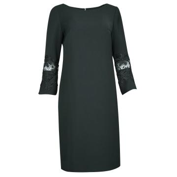 Czarna sukienka z rękawami...
