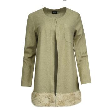 Beżowy sweter damski z wełny