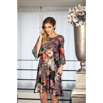 Sukienka w kwiaty o linii...