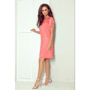 Różowa sukienka z krótkim...