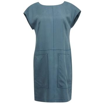 Niebieska zwiewna sukienka...