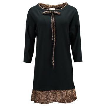 Czarna sukienka ze złotą...