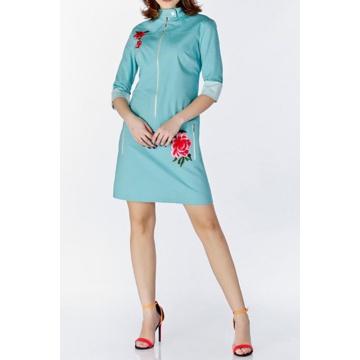 Niebieska  sukienka zapinan...