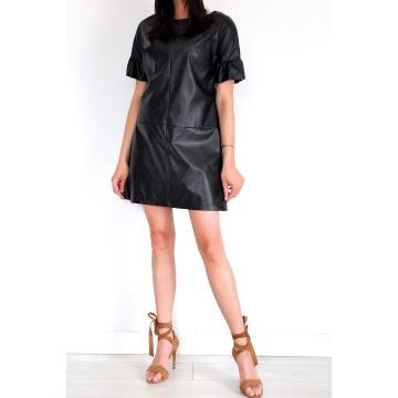 Czarna sukienka z eko-skóry...