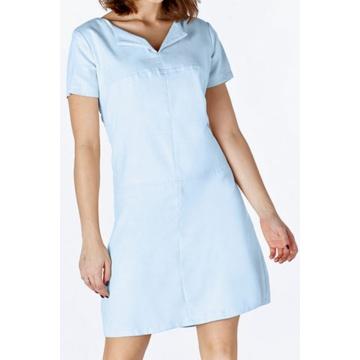 Błękitna sukienka z krótkim...