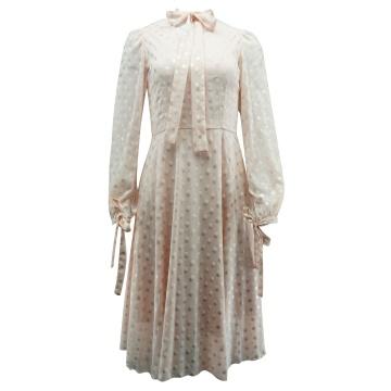 Różowa sukienka w groszki,...