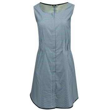 Niebieska sukienka w krateczkę