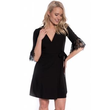 Czarna sukienka zakładana...