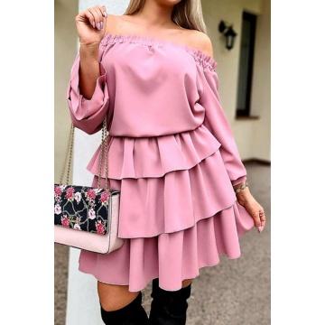 Różowa sukienka z falbanami...