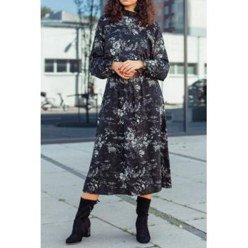Czarna długa sukienka z...