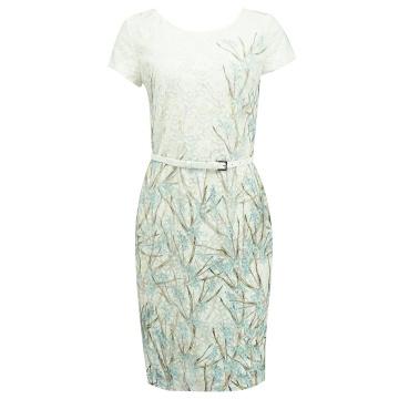 Koronkowa sukienka we wzory...
