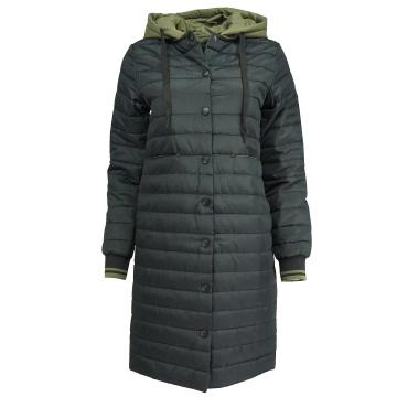 Czarna pikowana kurtka...