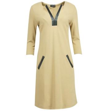 Beżowa sukienka z wstawkami...