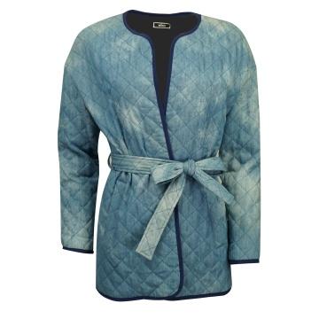 Niebieska pikowana kurtka...