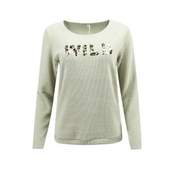 Beżowy sweter damski z napisem
