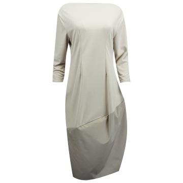 Beżowa sukienka oversize z...