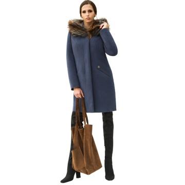 Granatowy zimowy płaszcz...