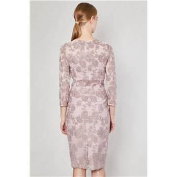 Sukienka model Tirma różowa koronka