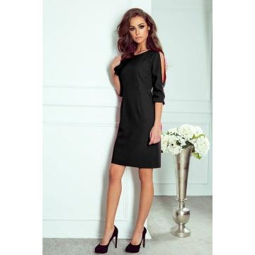Czarna błyszcząca sukienka...