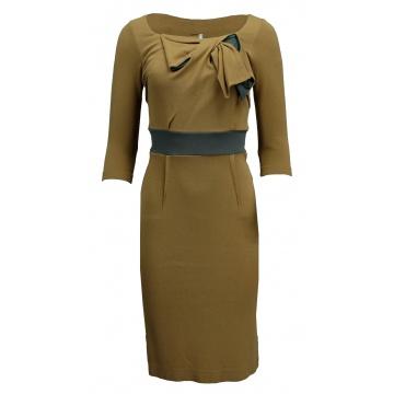 Beżowa sukienka z kokardą