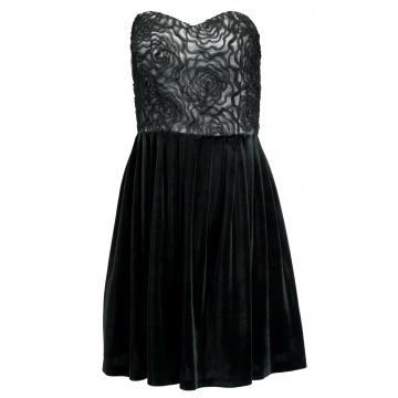 Czarna sukienka z koronką...