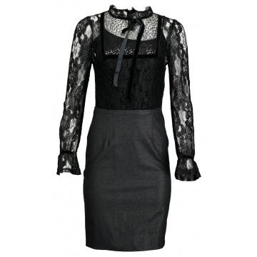 Czarna sukienka z koronką i...