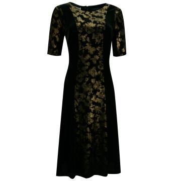 Czarna sukienka z ozdobnym...