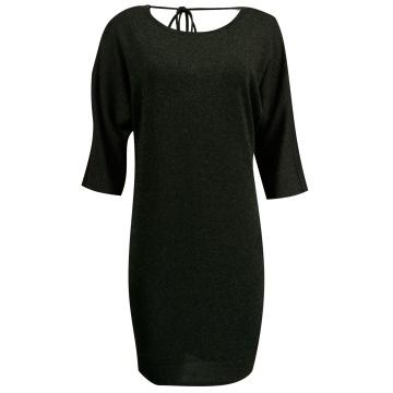 Czarna sukienka z połyskiem...