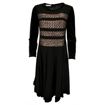 Czarna sukienka z cekinami...
