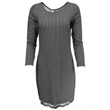 Czarna sukienka w kratkę