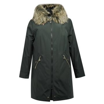 Czarna kurtka zimowa z...