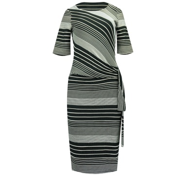 Czarno-biała sukienka w...