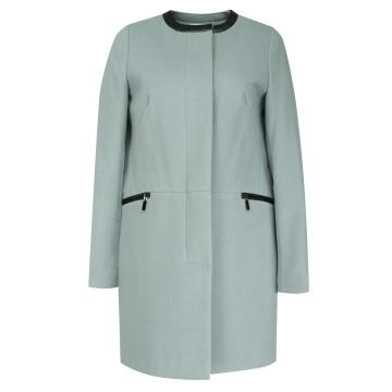 Szaroniebieski płaszcz...